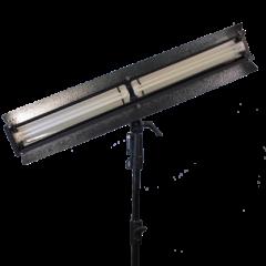 Ikan L200D Two Bulb Studio/Field Fluorescent Fixture